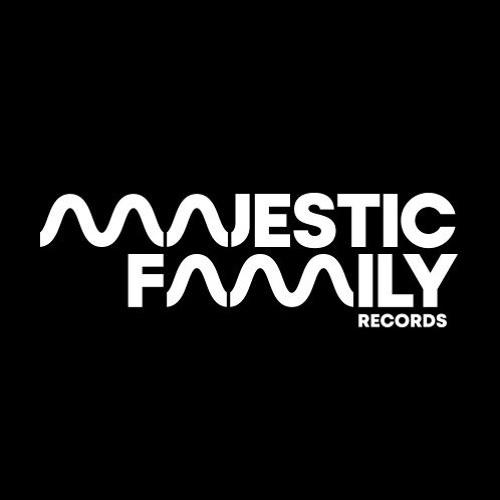 Amaton - Majestic Family Showcase 001