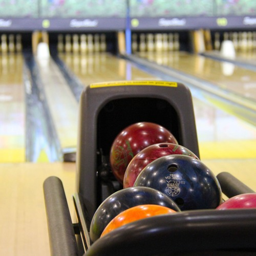 From Cruising Around to Bowling: What do Do in Jamestown