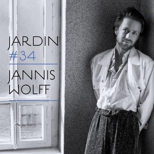 *34 Jannis Wolff