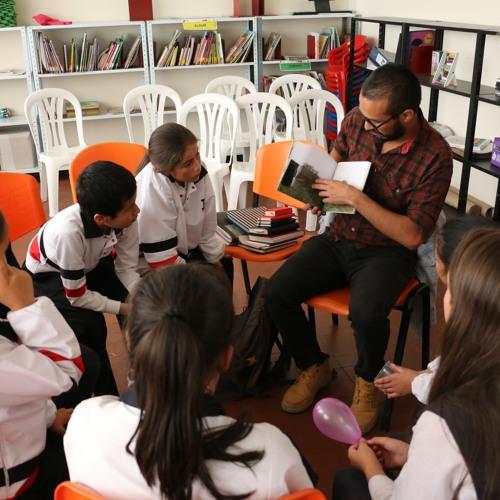 Escritores en Bibliotecas. Entrevista Radio Nacional. Directora BNC