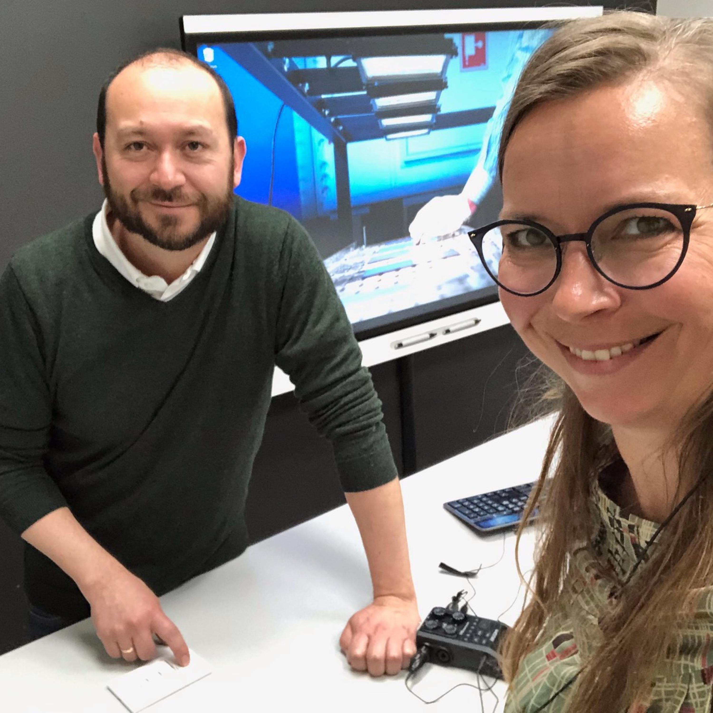 """Guidet tur i UiAs """"selvkjørstudio"""" på Mediesenteret"""