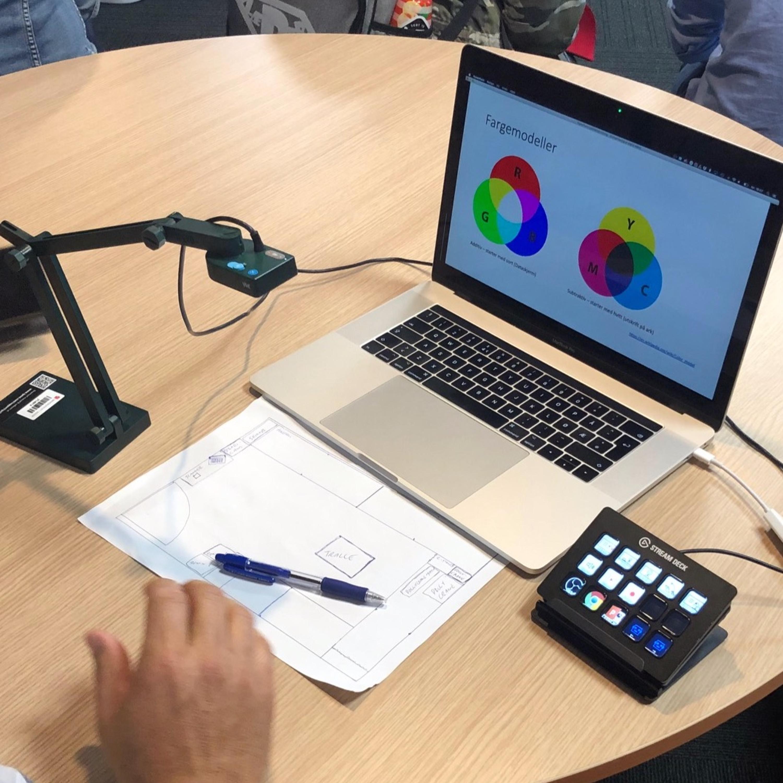 Presentasjon av Mediesenterets fullt mobile selvkjørstudio