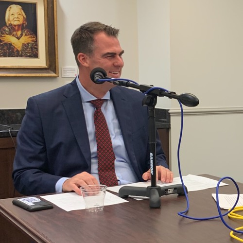 Oklahoma Governor Kevin Stitt talks with Ron Hays