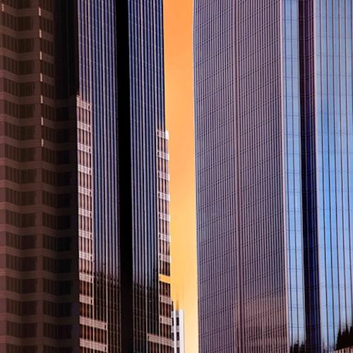 Orange Terrace - Moving Van