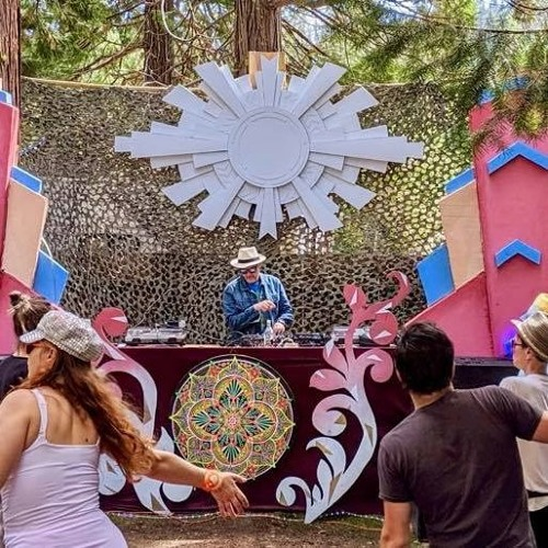 Triple Distilled Disco Squad (Alex Boshke Tolstey) Red Marines Sunday Pool Stage 2019