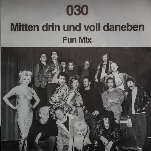 030 (Null-drei-null): Mittendrin und voll daneben (T&M: Matthias Hanselmann)
