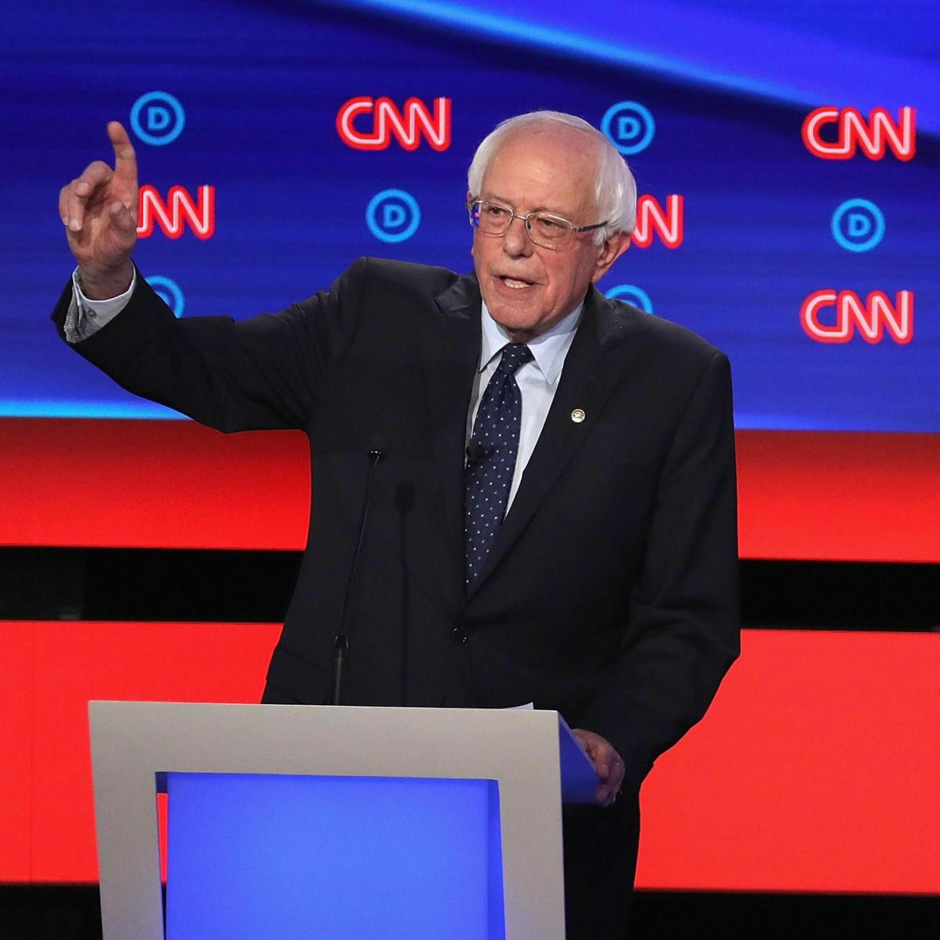 Theory of Change #3: Sanders vs Warren and the battle over how to make change, feat. Carl Beijer