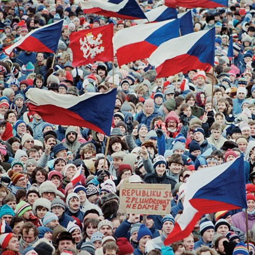 Katarina Panic: Czechs against re-sinking into the dictatorship