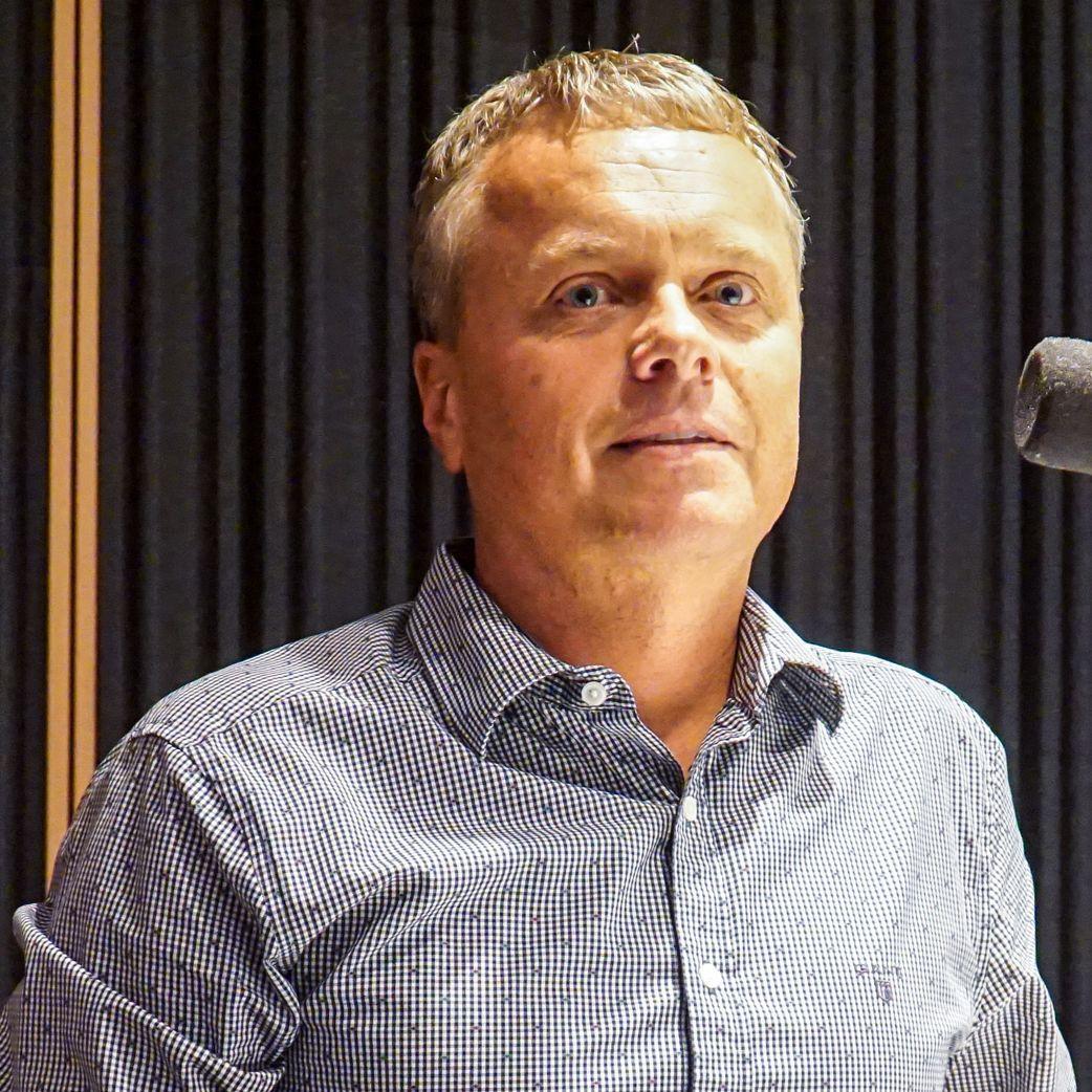 Ľ. Andrassy - NKÚ varuje pred miliónovými únikmi na diaľničnom mýte, či predaji služobných bytov