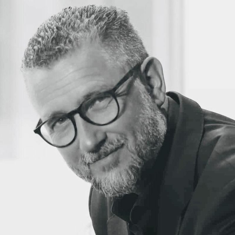 42 - Hans-Petter Nygård-Hansen (Foredragsholder, blogger og podcaster om teknologi & trender)