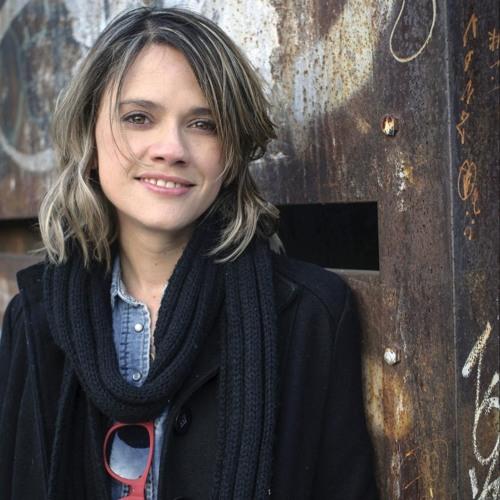 Laura Hernández, Transgresssion