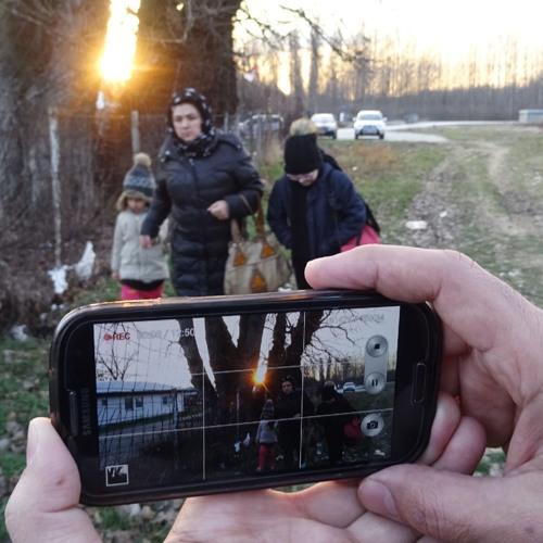 """Sprechstunde: """"Midnight Traveler"""" mit dem Handy statt mit Kamerateam"""