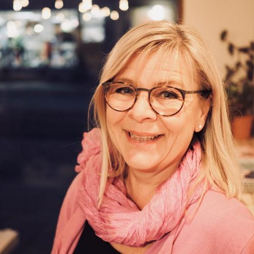"""Lena Wetterskog Sjöstedt """"Jag är många vi. Vi här och vi där. Men aldrig någonsin vi och dom"""""""