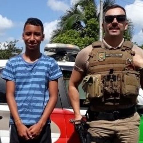 06 01 2020 - Praças Em Ação: Policiais Militares de folga salvam adolescente de afogamento em Itapoá