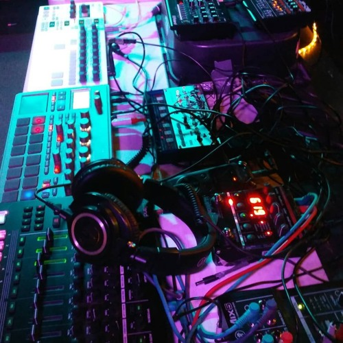 bpmf - live at Avalon Lounge Part1