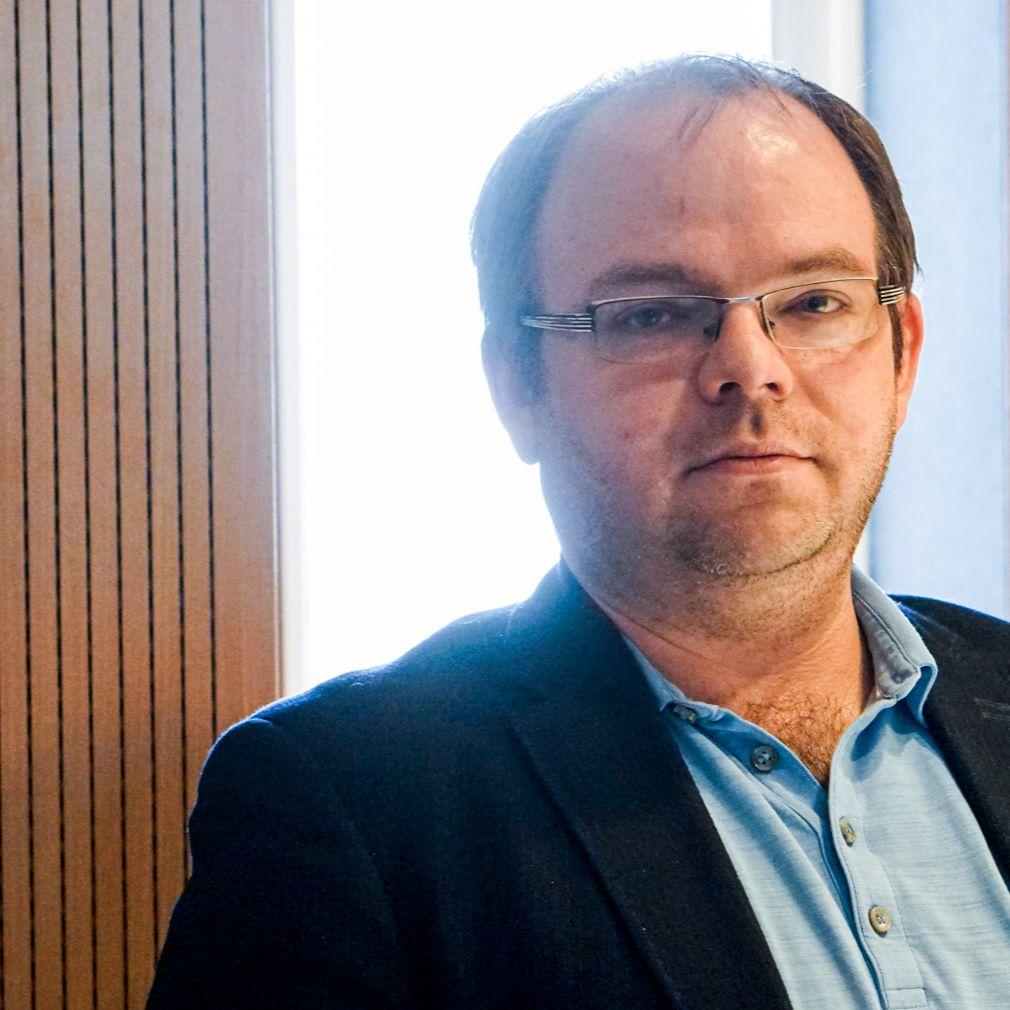 Václav Hřích - Necelý mesiac pred voľbami nie je jasné, ktorá strana má šancu na víťazstvo