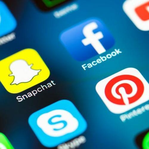 Dr Piotr Wajs: Czy media społecznościowe są potrzebne Kościołowi?