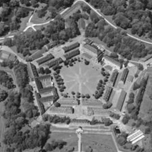 Le premier XXe siècle - Métropolisations et aménagement régional