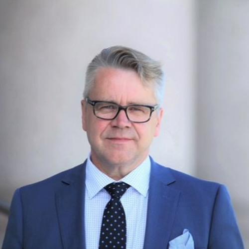 Kansanedustaja Peter Östman. Kotimaisen maatalouden tulevaisuus.