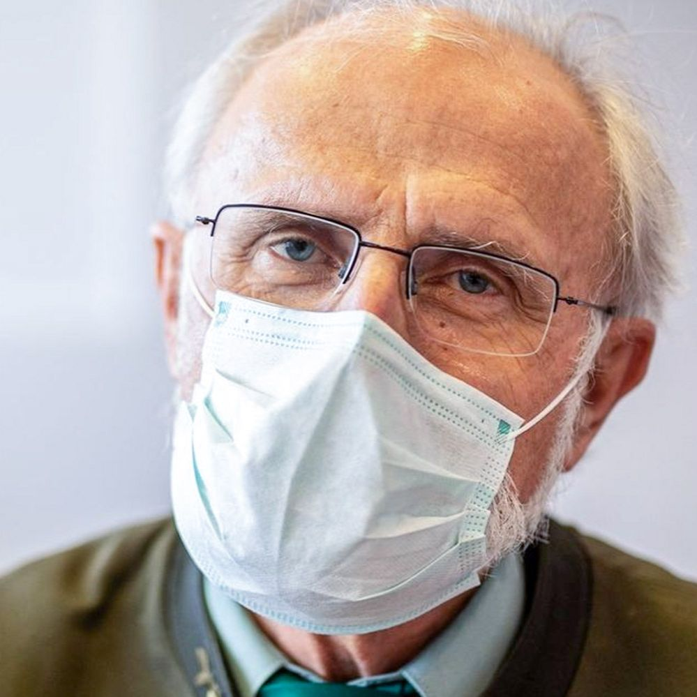 Ján Mičovský - Kritiku rešpektujem, odstúpiť sa však rozhodne nechystám