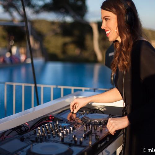 Laura Williams Deep House Mix
