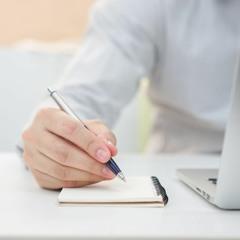 67. 3 techniques de copywriter pour bien rédiger vos posts sur les réseaux sociaux