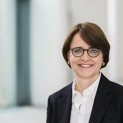 Staatsministerin Widmann-Mauz im Gespräch mit Radio Segenswelle