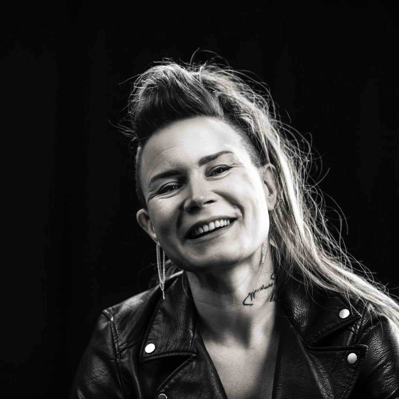 Mitä kuuluu, koru- ja apuvälinesuunnittelija Jenni Ahtiainen?