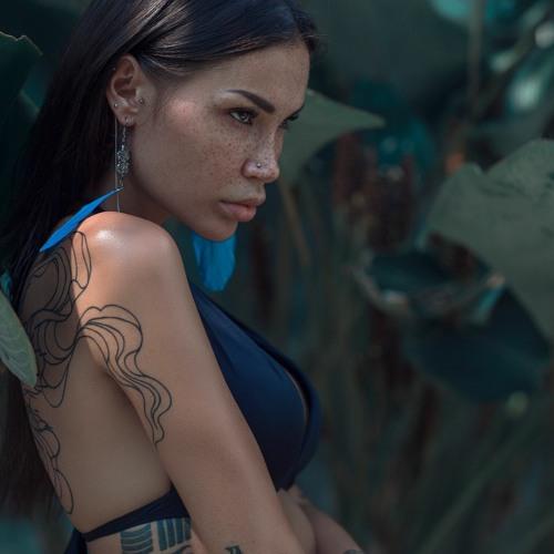 Alina Izmaylova - Saffron Notes