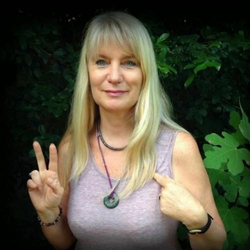 Elma Pollard on Radio Disa