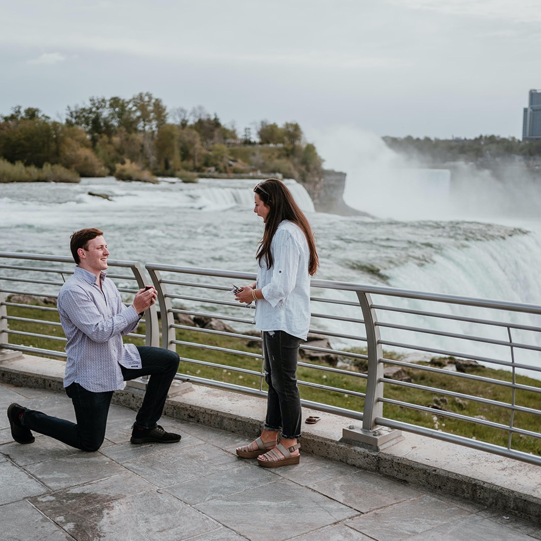#87 Verlobung vor den Niagarafällen
