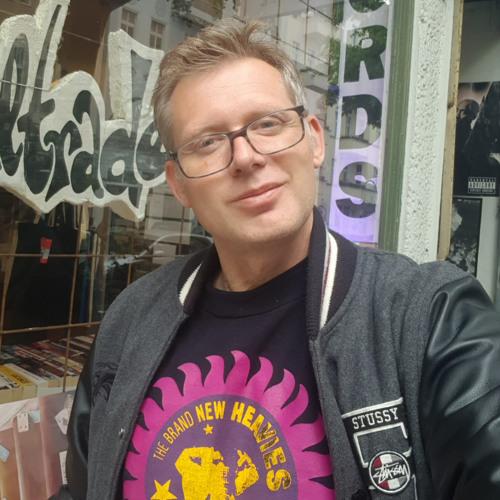 DJ Resoul mixes  (Best Works Agency, Berlin)