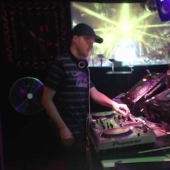 Ampere contest techno set by Mellow Gellow