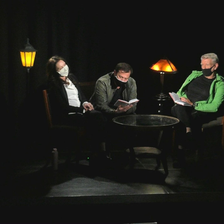 .herci čítajú divadelnú hru Smith & Wesson od Baricca (2. časť)