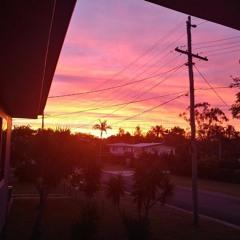 Suburban Sunset, f.t. Lunamac