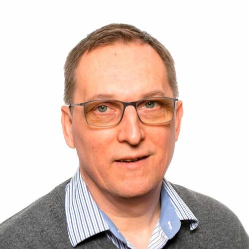 Erikoislääkäri Ari Mönttinen. Keskustellaan mm. perusterveydenhoidon resursseista.