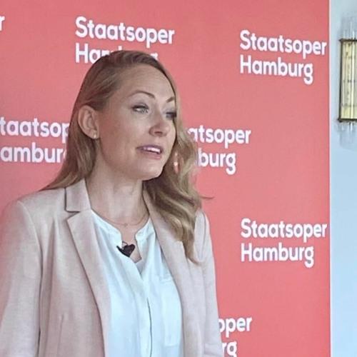 "Angela Brower über ""Les Contes d'Hoffmann"" an der Staatsoper Hamburg"