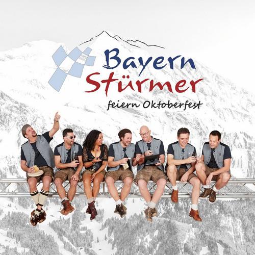 Die Bayern Stürmer feiern Oktoberfest