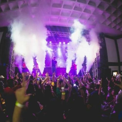 MEGA RAVE DESCONTROLADA - MC's GW, LAN, FLAVINHO (DJ LJ)