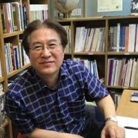 Señor Ko Young-il - Un hispanista coreano busca lectores en Chile