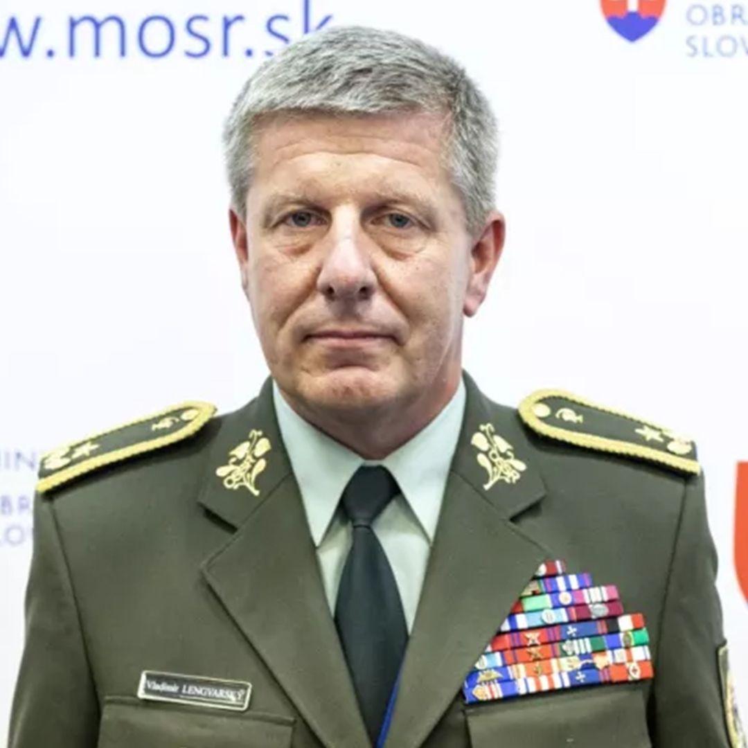 Vladimír Lengvarský - Ak sa na vláde nájde väčšina na odobrenie Sputnika, podpíšem jeho použitie
