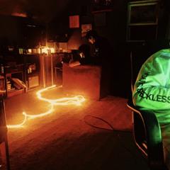 See the lights w/Decks (2001xDeadSpyro)