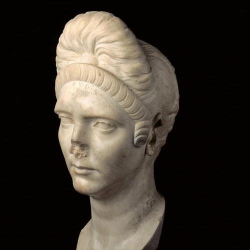 Visite descriptive, Pompeia Plotina, la femme de l'ombre.