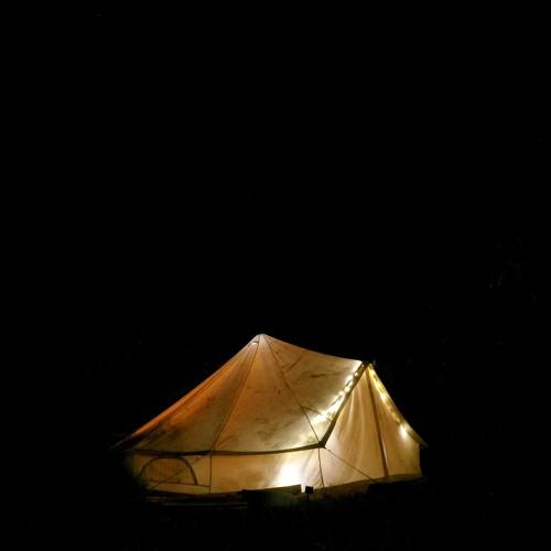 El groovey ft. Flute - Acoustic Tent Sessions