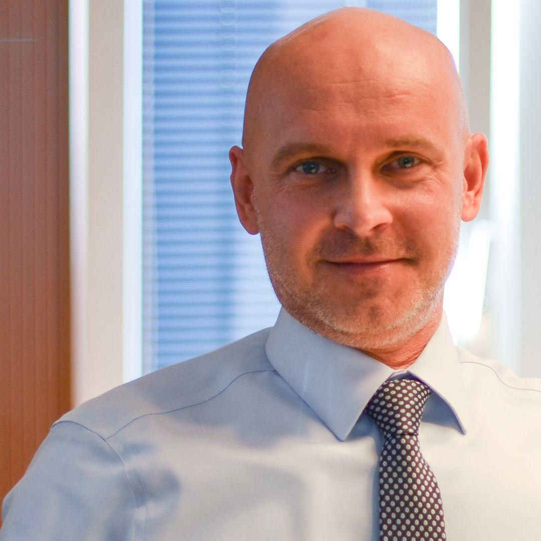 Branislav Gröhling - Stredoškoláci sa vrátia do škôl vo všetkých ružových okresoch