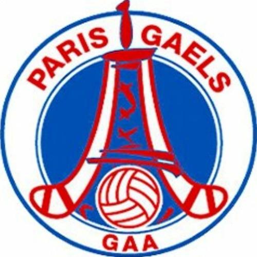 tadhg talks to the Paris Gaels