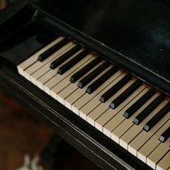 "Drake Type Beat - ""Frozen Piano"""
