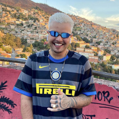 MTG - VAI FICAR FAMOSA SEGURANDO A GLOCK ROSA - DJ SAMMER - JHONATAN SILVA (FEAT. MC SACI E 7BELO)