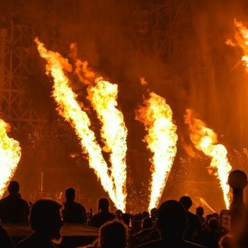 Around The Burning Pyre (Géraldine's Tribal Streched Version)