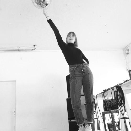 Gespräch und Sound mit und von Linn Holweger (VK5)(interviewt von Markus Feifel Pargas)